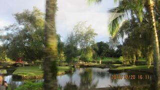 リリウオカラニ公園Liliuokalani Gardens  (Waihonu Pond)