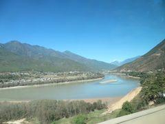 LCCと正規運賃で行く雲南省【4日目】極寒の香格里拉から、さっそく下山