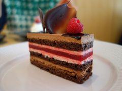 京都の洋菓子。ここのすてきなケーキもはずせません。