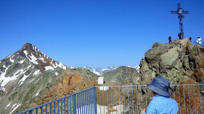 チロル・ドロミテのハイキング12日間 ②≪ゼルデンからオーバーグルグルへ≫