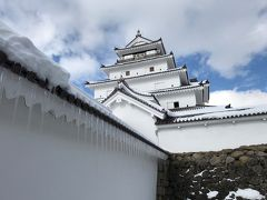 雪の鶴ヶ城。