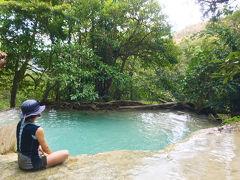 タイ06 カンチャナブリ: エメラルドグリーンのプールで滝浴み。エラワンの滝
