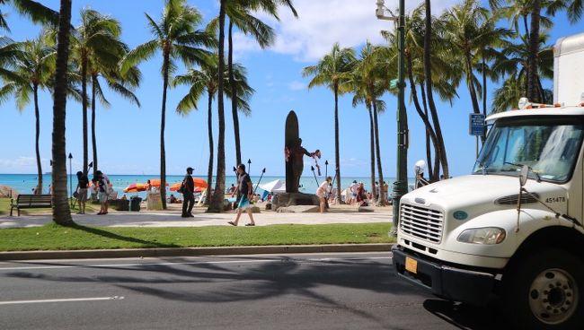 仕事も兼ねていたので、<br />初ハワイなのに2泊4日の超弾丸旅行でした・゜・(ノД`)・゜・<br /><br />お正月ということもあり、<br />・ハワイアン航空利用<br />・ハイアットリージェンシー(クラブフロアシービュー)2泊<br />で200,000円弱でした。。。<br /><br />