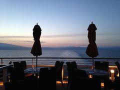 オーシャニア・リビエラ地中海クルーズ vol.26 ノスタルジック なイオニア海の夕暮れ…静かな海を船はマルタへ…☆