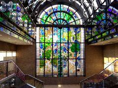 上野・国立科学博物館と飯田橋・ラムラのステンドグラス