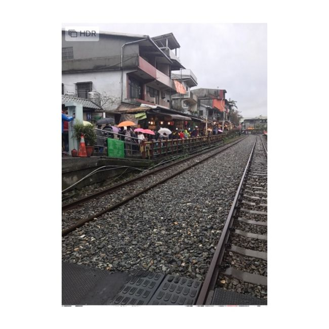 2日目:<br />ローカル線に揺られて、<br />台北駅から十分まで足を伸ばしました。