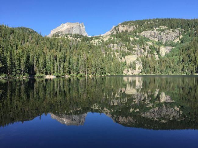 ロッキーマウンテン国立公園の第2幕です。<br /><br />今回の旅行記は、2日目から4日目までの3日間。<br />ロッキーマウンテン国立公園の魅力をトレッキングの情報を交えながらシェアしたいと思います。<br /><br /><2日目><br />Bear Lake エリアでの足慣らしハイキング<br /><3日目><br />Flattop Mountain での高度順応のハイキング<br /><4日目><br />Trail Ridge Road でのシーニック・ドライブ