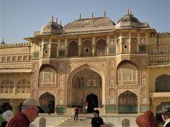 タージマハールを一目見たいと遥々インドへ行きました(2)象に乗ってアンベール城へ