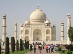 タージマハールを一目見たいと遥々インドへ行きました(4)アグラ城見学、サリーに着替えて霊廟へ