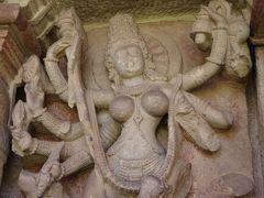 インド・デカン高原の旅 7 (アイホーレのドゥルガー寺院)