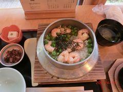 迎賓館に行った時に神楽坂で昼食を食べました