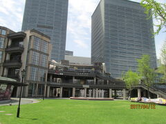 上海の陸家嘴1885広場・商城路