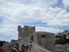 旧市街の城壁巡りに挑戦(^^)/~16年夏クロアチアなど4カ国周遊8月12日その3ドブロブニク