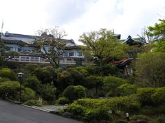 富士屋ホテル ☆ エントランス(4月28日)
