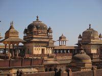 ラージャスターンと北インドの旅 (11)        「隠れた場所」の名にふさわしいオルチャ。