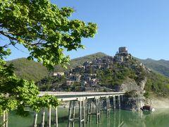 春の優雅なアブルッツォ州/モリーゼ州 古城と美しき村巡りの旅♪ Vol5(第2日) ☆Castel di Tora:青い湖と美しき村「カステル・ディ・トーラ」の素晴らしい景観♪