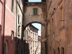 春の優雅なアブルッツォ州/モリーゼ州 古城と美しき村巡りの旅♪ Vol17(第2日) ☆Tagliacozzo:美しき町「ターリアコッツォ」旧市街/中心広場は美しい♪