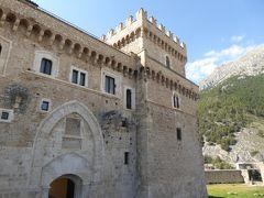 春の優雅なアブルッツォ州/モリーゼ州 古城と美しき村巡りの旅♪ Vol25(第2日) ☆Celano:美しき古城「チェラーノ城」まずは外観を眺めて♪