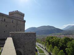 春の優雅なアブルッツォ州/モリーゼ州 古城と美しき村巡りの旅♪ Vol26(第2日) ☆Celano:美しき古城「チェラーノ城」周囲を歩いて眺めて♪