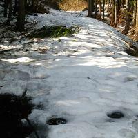 まだ雪残る栄村