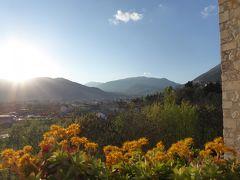 春の優雅なアブルッツォ州/モリーゼ州 古城と美しき村巡りの旅♪ Vol31(第2日) ☆Celano:チェラーノの高級ホテル「Hotel Le Gole」の周囲を歩く♪