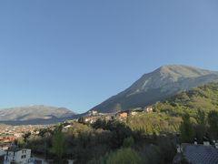 春の優雅なアブルッツォ州/モリーゼ州 古城と美しき村巡りの旅♪ Vol34(第3日) ☆Celano:チェラーノの高級ホテル「Hotel Le Gole」塔の展望台から素晴らしいパノラマ♪