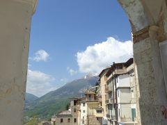 春の優雅なアブルッツォ州/モリーゼ州 古城と美しき村巡りの旅♪ Vol47(第3日) ☆Civitella del Tronto:美しき村「チビテッラ・デル・トロント」旧市街を優雅に歩く♪