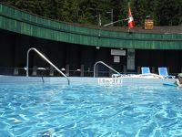 アメリカ3州・カナダ2州、国境沿いドライブの旅2週間2016 45、Nakuspにある町営温泉に寄ってからバーノンへ