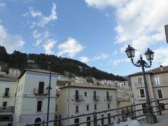 春の優雅なアブルッツォ州/モリーゼ州 古城と美しき村巡りの旅♪ Vol62(第3日) ☆Castel del Monte:イタリア美しき村「カステル・デル・モンテ」黄昏の旧市街を優雅に歩く♪