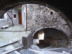 春の優雅なアブルッツォ州/モリーゼ州 古城と美しき村巡りの旅♪ Vol69(第4日) ☆Castel del Monte:美しき村「カステル・デル・モンテ」朝の旧市街を優雅に歩く♪