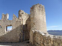 春の優雅なアブルッツォ州/モリーゼ州 古城と美しき村巡りの旅♪ Vol78(第4日) ☆Calascio:美しきカラーショ城(ロッカ・カラーショ)♪夢のような世界に感涙♪