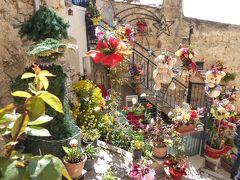 春の優雅なアブルッツォ州/モリーゼ州 古城と美しき村巡りの旅♪ Vol82(第4日) ☆Calascio:美しき村「カラーショ」優雅に歩く♪