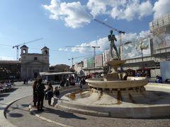 春の優雅なアブルッツォ州/モリーゼ州 古城と美しき村巡りの旅♪ Vol98(第4日) ☆L'Aquila:ラクイラの美しい中心広場「Piazza del Duomo」♪