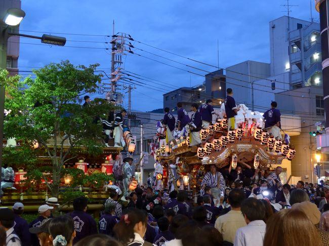 GW後半は実家に里帰り。伊丹空港のANAの鬼混みっぷりとJALの閑古鳥が対照的でした。神戸の東エリアでは、この時期あちこちでだんじり祭りが開催されています。阪神大震災で大打撃を被っても地域に根付いたお祭りは生き続け、今なお盛大に開催されています。<br /><br /><今回のフライト><br />20170503 JL101 HND ITM 06:30 07:35 1100FOP(特便割引1、Fクラス)<br />→合計1100FOP、累計65992FOP<br /><br /><今回の宿泊><br />なし(実家ステイ)<br /><br /><日程><br />★ 5月3日 羽田→伊丹<br />★     神戸近辺でのんびり<br /><br /><前の旅行記><br />【2017JAL修行その4⑥】再びOKA-SIN、トラブルから始まった那覇タッチは高いお勉強代がかかりました(4日目&5日目)<br />https://4travel.jp/travelogue/11263353<br /><br /><次の旅行記><br />【2017JAL修行その6&ANA修行その1①】JAL一筋9年目でしたが今年はANAも修行します!混合修行は新・王道のOKA-KULで、大阪からの那覇弾丸で麺修行(0日目)<br />https://4travel.jp/travelogue/11243934<br /><br /><br />
