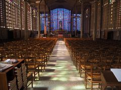 日常から逃避行★行きたい所に行く!フランス4泊6日女一人旅【5日目~帰国:パリ郊外】ずっとここに来たかった、Le Raincyのまちの小さな教会。