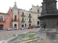 春の優雅なアブルッツォ州/モリーゼ州 古城と美しき村巡りの旅♪ Vol134(第5日) ☆Popoli:ポーポリ美しい旧市街♪時計塔「Torre Civica」と「Chiesa di San Francesco」♪