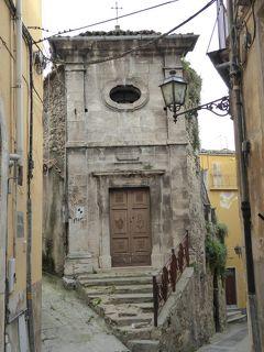 春の優雅なアブルッツォ州/モリーゼ州 古城と美しき村巡りの旅♪ Vol137(第5日) ☆Popoli:ポーポリ美しい旧市街♪趣のある細い路地を眺めて♪