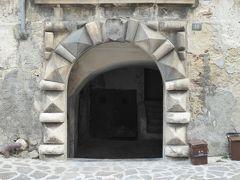 春の優雅なアブルッツォ州/モリーゼ州 古城と美しき村巡りの旅♪ Vol142(第6日) ☆Popoli:朝のポーポリ優雅な散歩♪旧市街のPiazza della Riberta♪