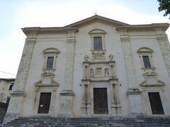 春の優雅なアブルッツォ州/モリーゼ州 古城と美しき村巡りの旅♪ Vol171(第7日) ☆Caramanico Terme:美しいカラマニコ・テルメ旧市街♪教会「Chiesa San Nicola」を眺めて♪
