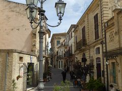 春の優雅なアブルッツォ州/モリーゼ州 古城と美しき村巡りの旅♪ Vol177(第7日) ☆Crecchio:美しいクレッキオ旧市街 オシャレにカフェタイム♪