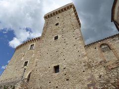 春の優雅なアブルッツォ州/モリーゼ州 古城と美しき村巡りの旅♪ Vol180(第7日) ☆Casoli:カゾーリ城をゆったりと眺めて♪