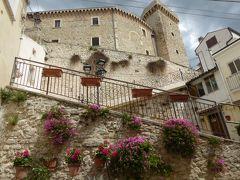 春の優雅なアブルッツォ州/モリーゼ州 古城と美しき村巡りの旅♪ Vol181(第7日) ☆Casoli:カゾーリ旧市街を歩いて城のある風景を眺めて♪