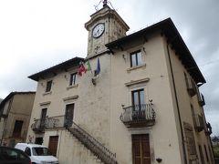 春の優雅なアブルッツォ州/モリーゼ州 古城と美しき村巡りの旅♪ Vol193(第7日) ☆Pescocostanzo:美しいペスココスタンツォ旧市街♪中心広場「Piazza del Comune」を眺めて♪