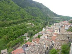 春の優雅なアブルッツォ州/モリーゼ州 古城と美しき村巡りの旅♪ Vol214(第8日) ☆Pettrano sul Gizio:美しき村「ペットラーノ・スル・ジツィーオ」♪秘境の雰囲気がいっぱい♪