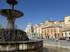 春の優雅なアブルッツォ州/モリーゼ州 古城と美しき村巡りの旅♪ Vol233(第9日) ☆Sulmona:朝の美しいスルモーナ旧市街♪美しい広場「Piazza Garibaldi」優雅に歩いて♪
