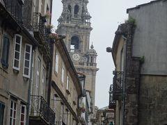 さあ,サンチャゴ・デ・コンポステーラの街に入りました。カテドラルを目指しましょう。