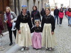 春の優雅なアブルッツォ州/モリーゼ州 古城と美しき村巡りの旅♪ Vol259(第9日) ☆Scanno:美しいスカンノ旧市街♪美しい街並みと可愛い伝統衣装の女の子♪