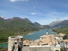 春の優雅なアブルッツォ州/モリーゼ州 古城と美しき村巡りの旅♪ Vol274(第10日) ☆Barrea:美しき「バッレーア城」古城と湖と山の絶景 見たかった風景叶う♪