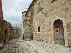 春の優雅なアブルッツォ州/モリーゼ州 古城と美しき村巡りの旅♪ Vol300(第11日) ☆Torella del Sannio:「トレッラ・デル・サンニオ」古城へ歩く♪