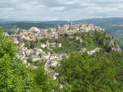 春の優雅なアブルッツォ州/モリーゼ州 古城と美しき村巡りの旅♪ Vol303(第11日) ☆Torella del SannioからCastropignanoへ♪ カストロピニャーノの美しいパノラマ♪